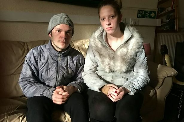 misccariage _homeless_couple_01