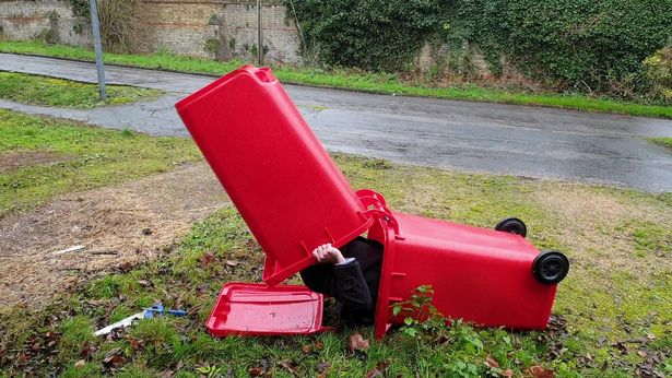 Wheelie_bins_homeless_people_TRIANGLENEWS_12JPG
